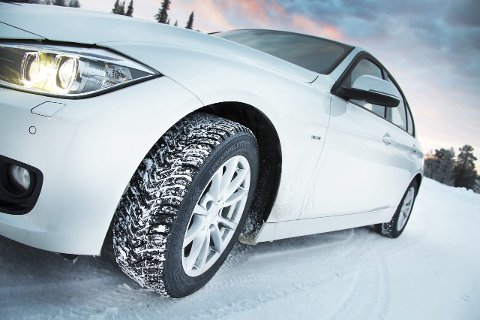 Viktig: Dekkene er bilens viktigste del og særlig på vinterstid så kan de  ha «tøffe dager på jobben». Vi har gått årets dekketester etter i sømmene og gir deg vinnerne. foto: Broom