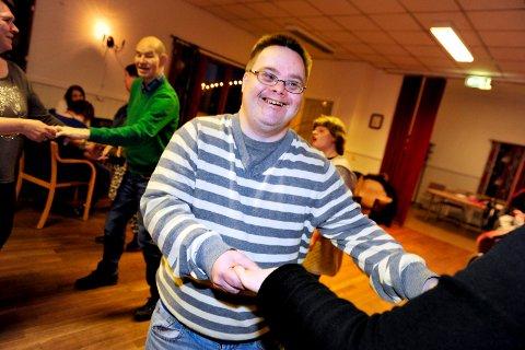 SVINGOM: Tommy Elvehjem liker seg godt på diskoen, og var mer enn en gang ute på dansegulvet.