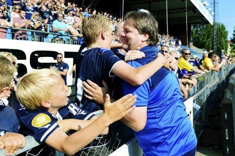 EN NY FAVORITT I BYEN:  Med fire seiere på fem seriekamper, er Bjørn Petter Ingebretsen blitt meget populær blant supporterne.