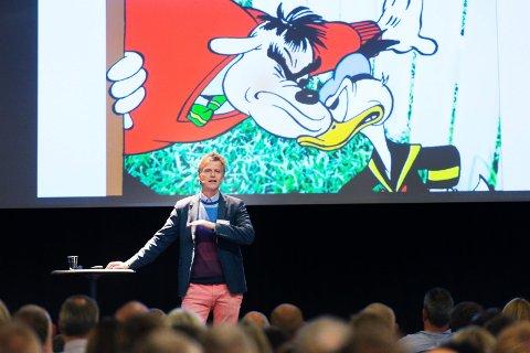 BYUTVIKLINGSEKSPERT: Erling Fossen peker på flere utfordringer for Drammen.