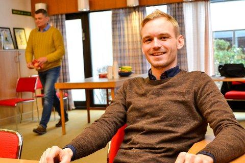BEKLAGER: Høyres ordførerkandidat i Øvre Eiker, Adrian Tollefsen, legger seg paddeflat etter at han rappet nettadressen til hovedkonkurrenten foran kommunevalgkampen neste år.
