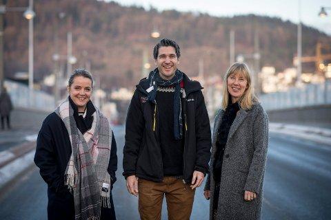 JURYEN: Pia Simonsen (Drammens Tidende), Knut Harald Sommerfeldt (Buskerud Idrettskrets) og Vibeke Hald Langen (Sparebanken Øst) skal plukke ut årets ildsjel.