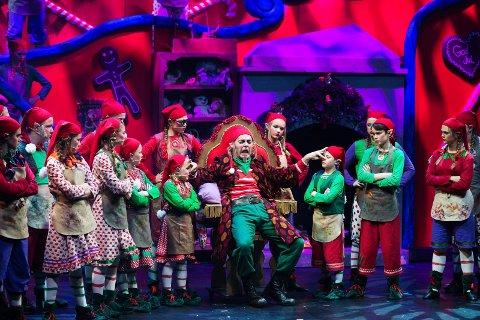 JULESKURKEN: Det blir ikke noe av årets forestillinger av «Jakten på juleskurken». Bildet er fra  premiere på forestilling i Drammens Teater i 2016.