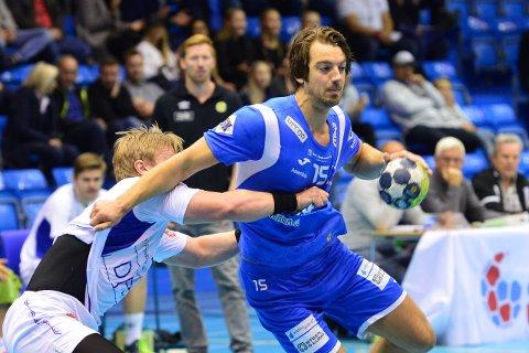 MØTER RIVALEN: Øyvind Frigstad og DHK tar imot St. Hallvard lørdag ettermiddag. Her fra kampen mot Bodø.