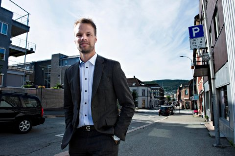 «Hadde Drammen Høyre vært ærlige, hadde de hengt ordførerkjedet på Jon Helgheim», skriver syv Venstre-leder id rammensregionen i denne kronikken. Blant dem er varaordfører i Drammen, Yousuf Gilani.