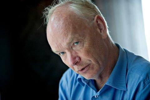 STILLER OPP: Per Olaf Lundteigen fra Vestfossen mener mye om kommunesammenslåing. FOTO: TORE SANDBERG