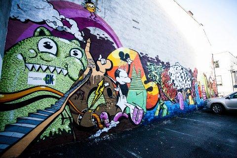 GRAFFITI-VEGG: Et av mange gatekunst-verk i Drammen de siste årene.
