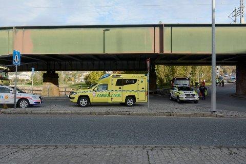 TRAGISK: Eleven ble påkjørt av en lastebil ved rundkjøringen ved Holmenbrua, mens resten av klassen ble vitner til dødsulykken.