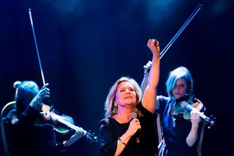 Elisabeth «Bettan» Andreassen tar med seg Tor Endresen og Øivind Blunck til Drammens teater med juleshowet «Julestemning på et Blunck, Bettan & Endresen», 21. og 22. november.