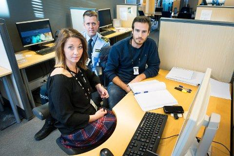 Mari Steiro, Kristian Bryn Strømsholm og Joachim Riddervold (t.h) var i gruppa som etterforsket de over 50 innbruddene i drammensdistriktet i fjor. De er fornøyd med at to personer nå er dømt.
