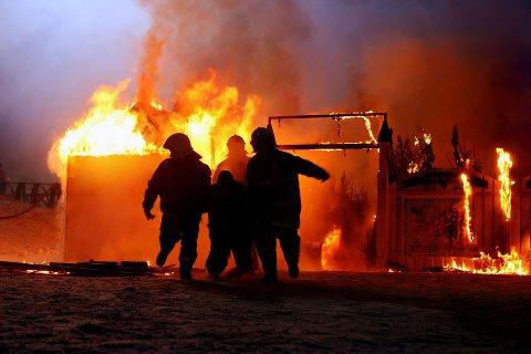 FÆRRE BRANNER: Antall branner synker med antall omkomne. Flere er opptatt av brannsikkerhet.