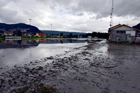 NYE FLOMSONEKART: Nye flomberegninger fra NVE viser at flom i Drammenselva blir en halv meter lavere enn tidligere beregninger slik klimaet er idag. Men flomsikringsarbeidet i Nedre Eiker fortsetter som før. Bildet er tatt ved Vassenga i Mjøndalen.
