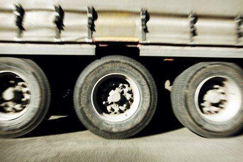 STØY: Lastebiltrafikk er også støy, mener artikkelforfatteren.