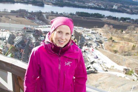 LEGGER OPP: Line Jahr er på plass i Vikersundbakken, men hoppskiene har hun lagt bort for godt.