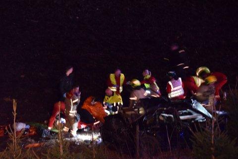 21-åringen ble skadet i en trafikkulykke på Klokkarstua i april i fjor. 21-åringen og to andre ble sendt til Ullevål i luftambulanse etter ulykken.
