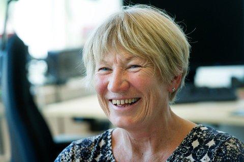 FÆRRE LEDIGE: Nav-direktør Elisabeth Holen finner mye å glede seg over i de nye ledighetstallene fra Nav.