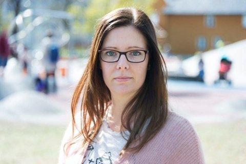 VIL JOBBE MER: Aleneforsørger Vivien Samsing ønsker seg forutsigbarhet i hverdagen. Hun er lei av å ha en deltidsjobb.