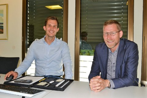 UTSATT SKATT: Den nye ordningen gjør det for eksempel enklere å bytte mellom gode og dårlige aksjefond forklarer Mathias Kolstad Holm, investeringsrådgiver og Håvard Røed Langerud, banksjef i Nordea Drammen.