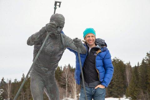 STATUE OG SENTER: Både Modum kommune og fylkeskommunen er positive til et Bjørndalen-senter, hvor Bjørndalen selv planlegger å være jevnlig selv om han bor utenlands.