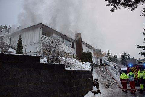 Røyken sto fra taket en periode.