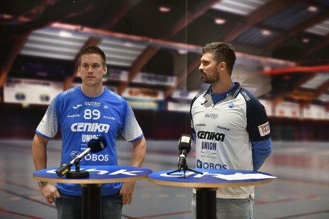 BLE ENIGE.  DHK-trener Kristian Kjelling har pleiet kontakten med Espen Lie Hansen lenge, og fredag formaliserte de det hele med at Lie hansen signerte en treårskontrakt med DHK.