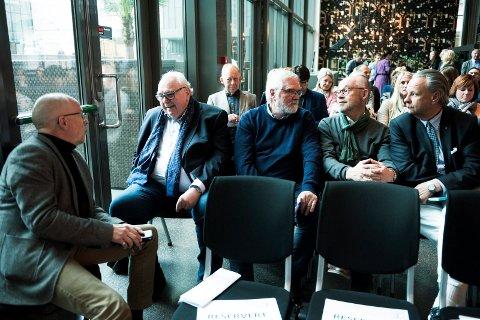 TILHØRERE: Nærmere 100 næringslivstopper var på plass for å få med seg Arne Brimis foredrag om hvorfor folk med «rare navn» bør få jobb.