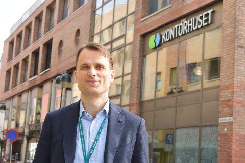 ØKT INTERESSE FOR BYEN: Thomas Ramcilovic Analytiker DNB Næringsmegling forteller at flere nasjonale investorer er interessert i å kjøpe næringseiendom i Drammen.