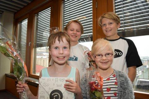 NY SKATERAMPE: Brukerne av Nøstedhallen Skatepark gleder seg over penger til ny skaterampe. Foran Adina Wessel (8) og Elvira Bardalen (8), bak Jørgen marksten (139 og Herman Amundsen (13).
