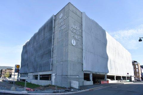 BLICHS GATE: En av tre parkeringshus det er gratis å stå i på 17. mai.