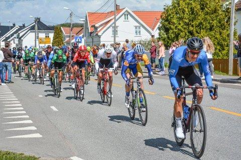 I 2015 passerte sykkeleliten Svelvik på den andre etappen.