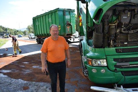 KALD: Trond Erik Hansen har kjørt lastebil i 41 år, og forteller at han var kald da bilen begynte å brenne på E18.