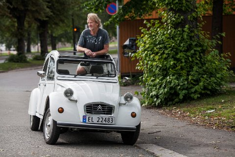 Svein Støvland og Wilma, hans egenbygde elektriske 2CV.