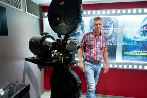 Kinosjef Steinar Johansen mener at folk trygt kan ta seg en tur på kino i helga.