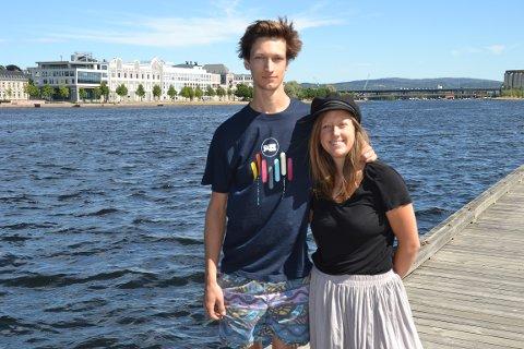 JORDA RUNDT: Martin Borge Bull og Line Langaas Berg seiler jorda rundt fra tirsdag. På turen skal sjøplasten bekjempes.