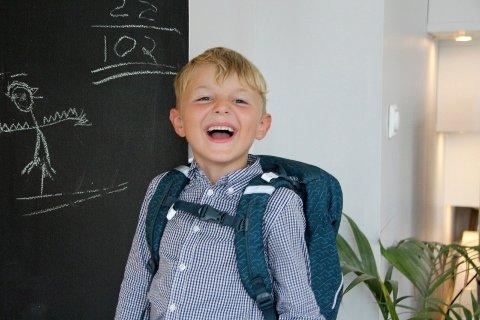Fem år gamle Olaf Johannes Krokli har sin første skoledag på Krokstad skole i dag.