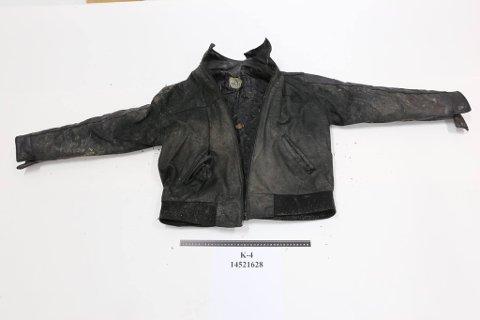 Kjenner du igjen disse klærne, så kontakt politiet på 02800.