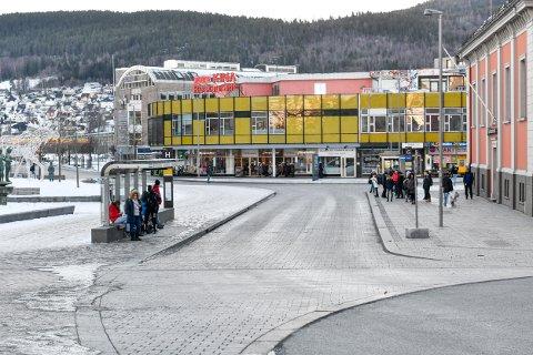 11-åringen skulle bytte buss her på Strømsø Torg i morges.