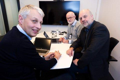 PROSJEKTLEDELSEN: Erik Nordli (t.v.), Dag Bøhler og Arnstein Hodne mener de har god kontroll, og nærmest garanterer at det blir nytt sykehus på Brakerøya.