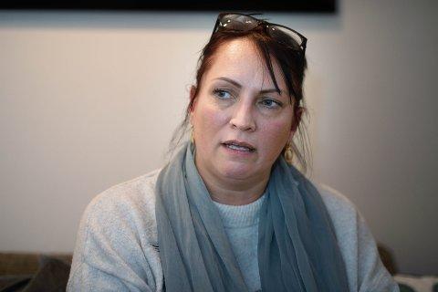 SJOKK: Linda Jakobsen reagerte med vantro da hun leste hvordan Drammen kommune regnet ut egenandel til sønnen. – Jeg tenkte med en gang da jeg så vedtaket, at dette må være riv ruskende galt, sier hun.