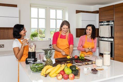 KVINNENE BAK: Rania Guirguis, Malin Bruset og Chloe Koehler  i Grogro AS.