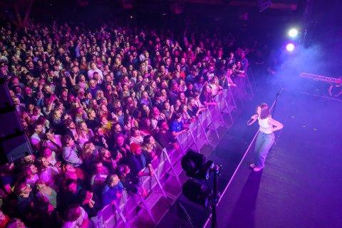 STOR: Sigrid har blitt populær både i Norge og utenlands. Her fra konserten på Union 1. november.