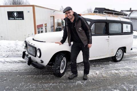 SPARKSTØTTING: – Du må vite hva du kjører for at det skal være trygt på vinterføre, advarer Thomas Stormo ...