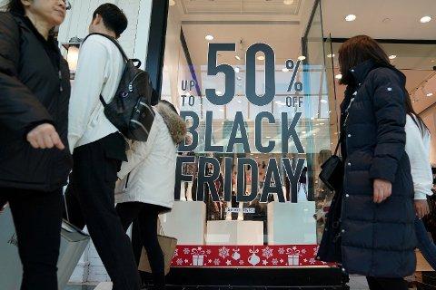 Nye tall viser at Black Friday for mange ble brukt til å kjøpe ting man egentlig ikke hadde råd til.