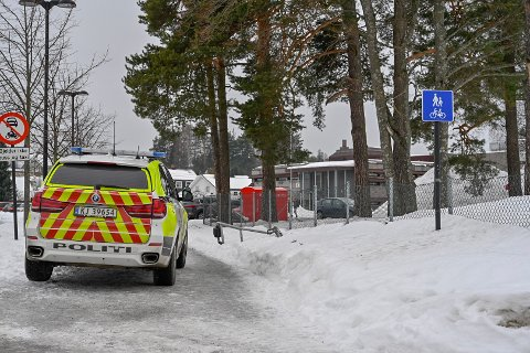 Politiet måtte rykke ut til Eiker videregående skole i Hokksund tirsdag.