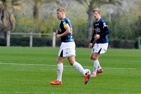 SAMKJØRTE. Lars Sætra (t.v.) og Jakob Glesnes spilte årets første 90 minutter sammen, og da holdt SIF nullen. Kampen mot Ranheim i Spania endte 0-0.