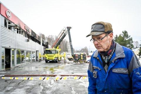 GRUNNLEGGEREN: – Klart det er en tragedie, sa Arne Bråten da han inspiserte skadene fredag.