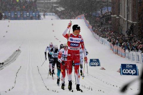 SIST: Johannes Høsflot Klæbo vant herrenes skisprint i Drammen i 2019. Det var sist gang det ble arrangert verdenscup i sprintlangrenn på torget.