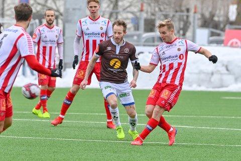 HERJET SIST: MIFs Tonny Brochmann (i midten) herjet med Tromsø sist og scoret to mål i en treningskamp for en måned siden. Da ble det 5-1 til de brune.