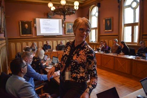 RASKERE: - Drammen stasjon blir tidligere ferdig, det sparer vi penger på, sa Hanne Stormo, prosjektsjef Bane Nor i Drammen formannskap tirsdag.