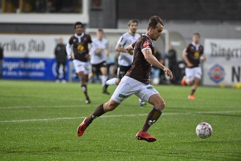 TOMÅLSSCORER. Fredrik Brustad kom inn etter pause, og scoret begge Mjøndalens mål da de vant 2-0, og gikk videre i NM.